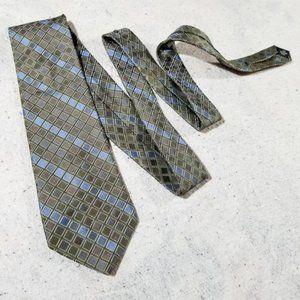 Perry Ellis Portfolio Diamond Pattern Silk Tie USA